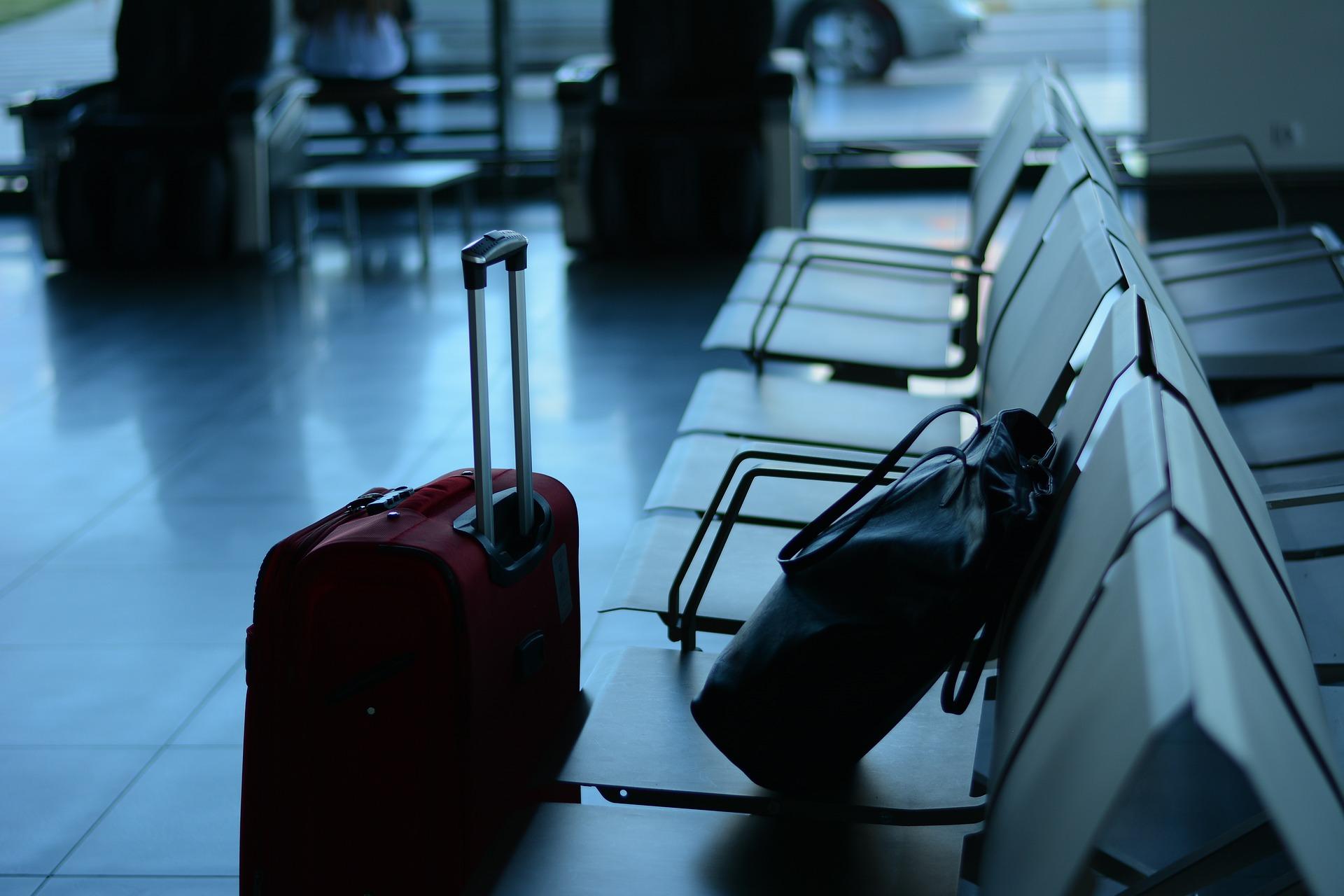 Kurier - Flughafen Koffer
