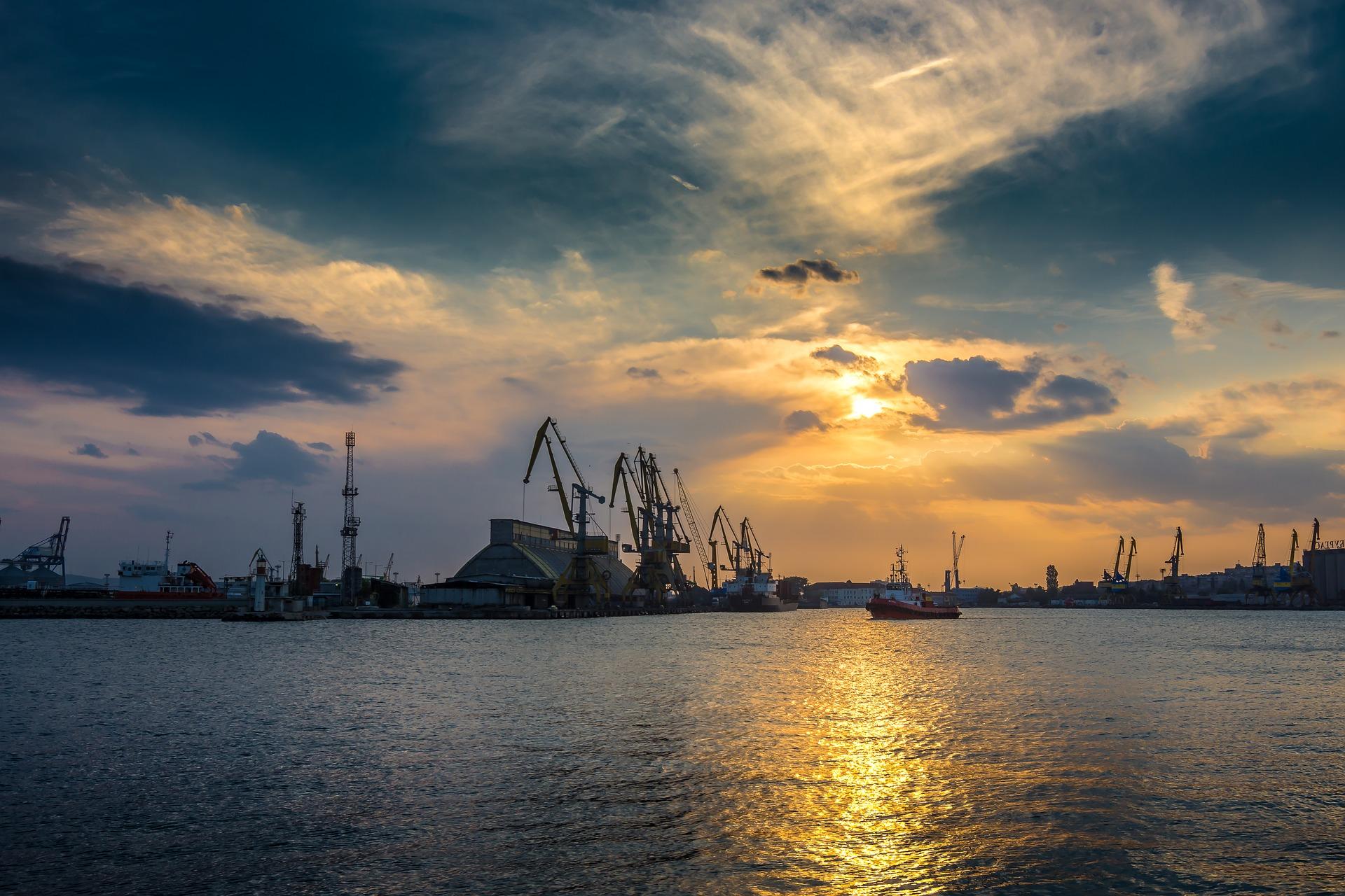 Zollabwicklung - Hafen